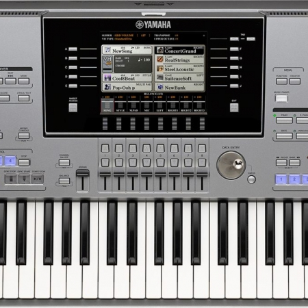 The Yamaha Tyros5 61 XL - Front View